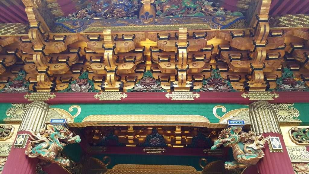 Detalles del techo del mausoleo Tokugawa Ieyasu