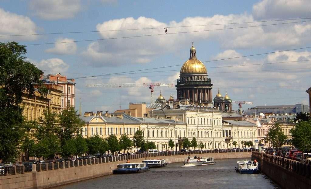 Canales de San Petersburgo y catedral de San Isaac