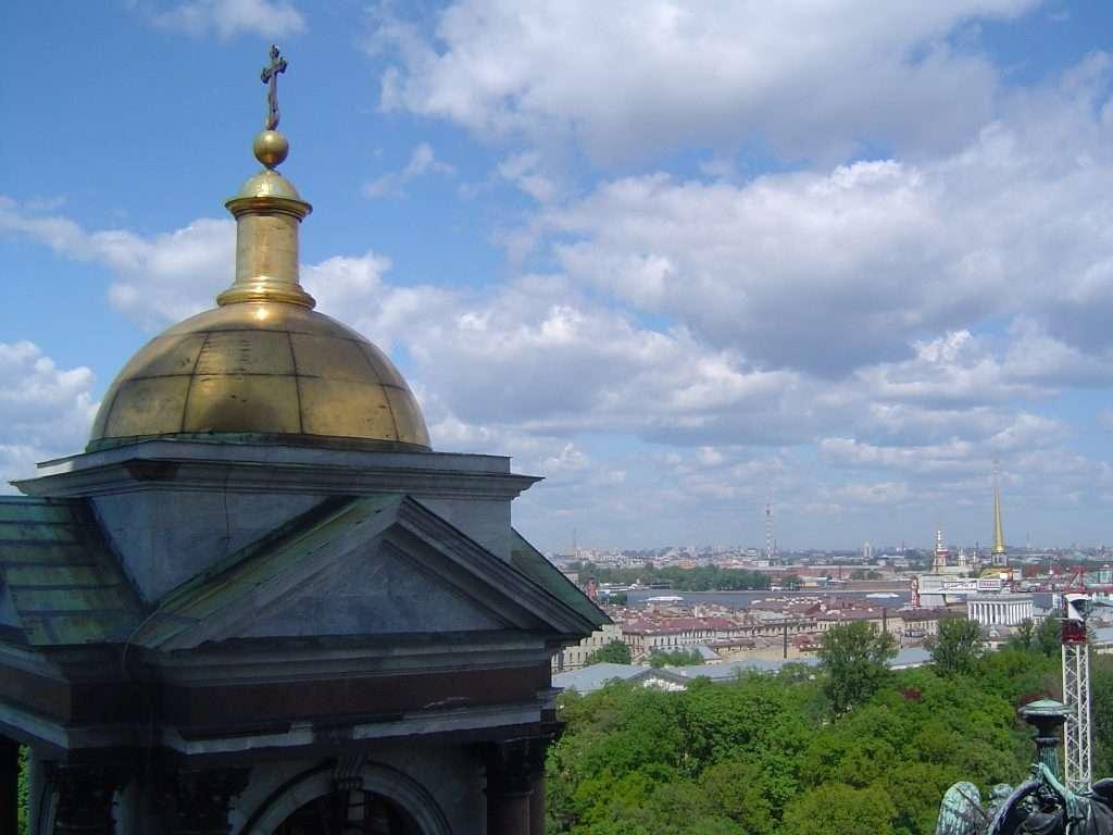 Vistas desde la cima de la cúpula de la catedral de San Isaac