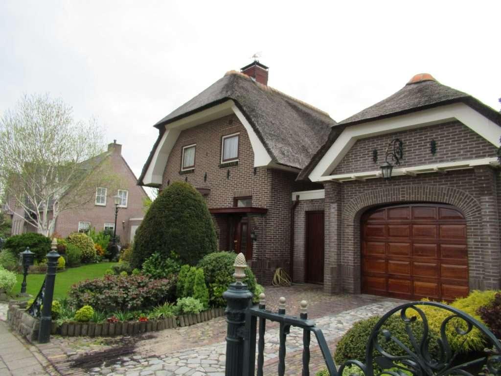 Hermosas casas holandesas en la ciudad de Lisse