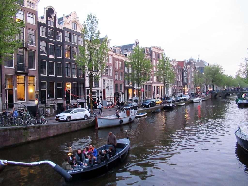 Singel canal de Amsterdam