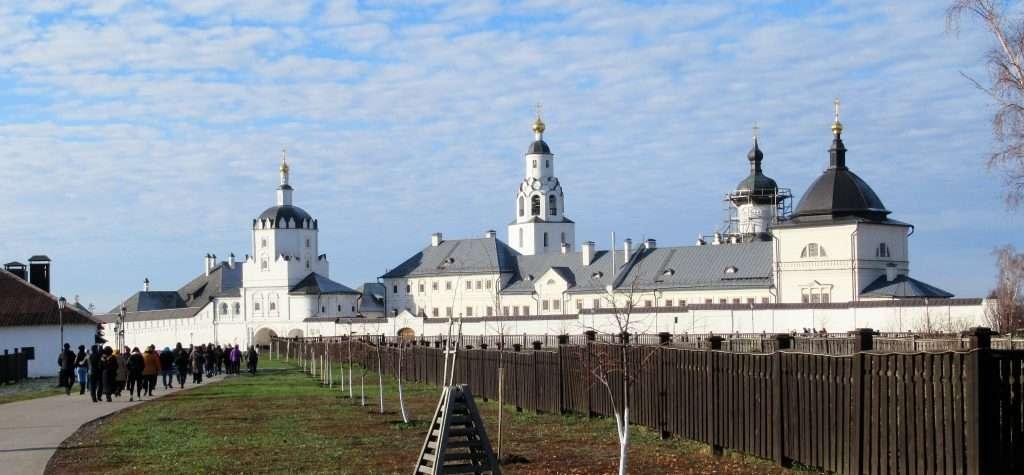 Monasterio de la Asunción en la isla de Sviyazhsk