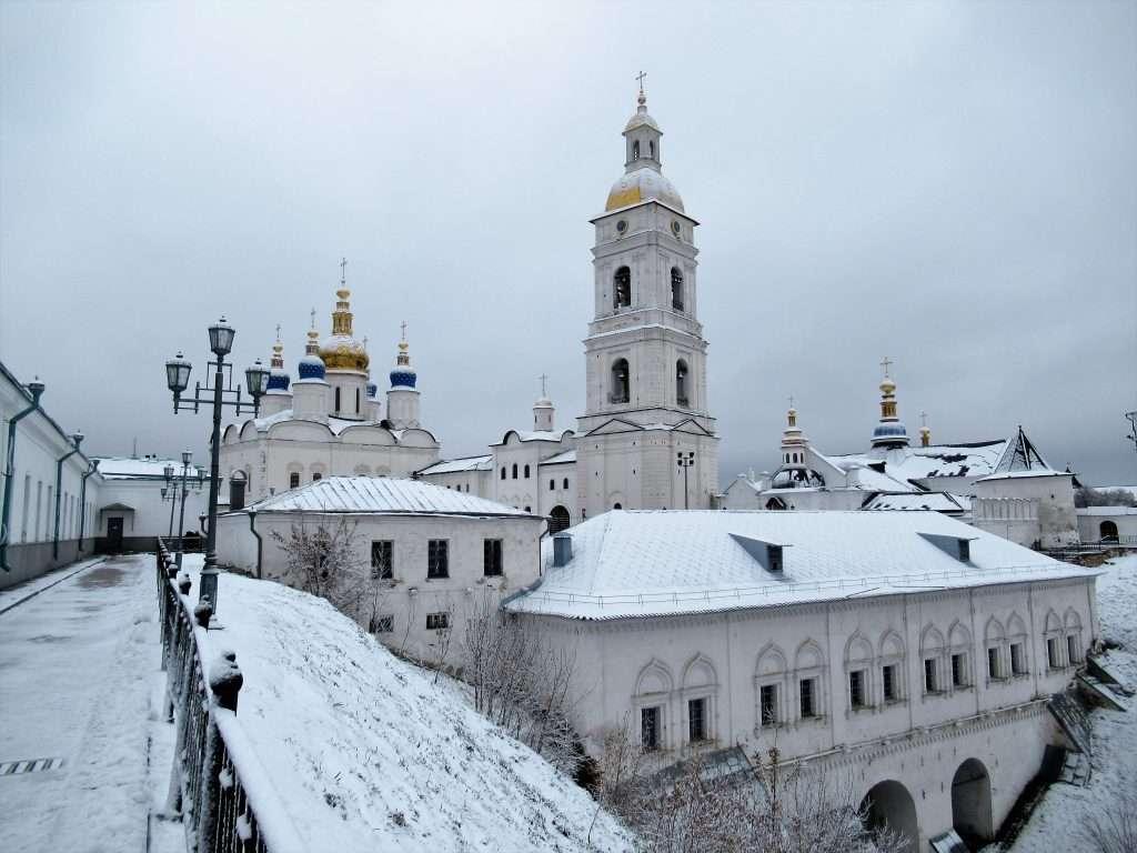 Santa Sofía y su campanario en Tobolsk