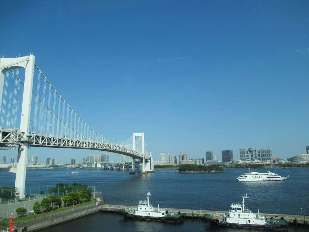 Puente Arco Iris, une Tokio con la isla de Odaiba