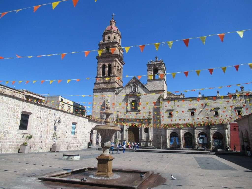 Morelia - Plaza de los antojitos