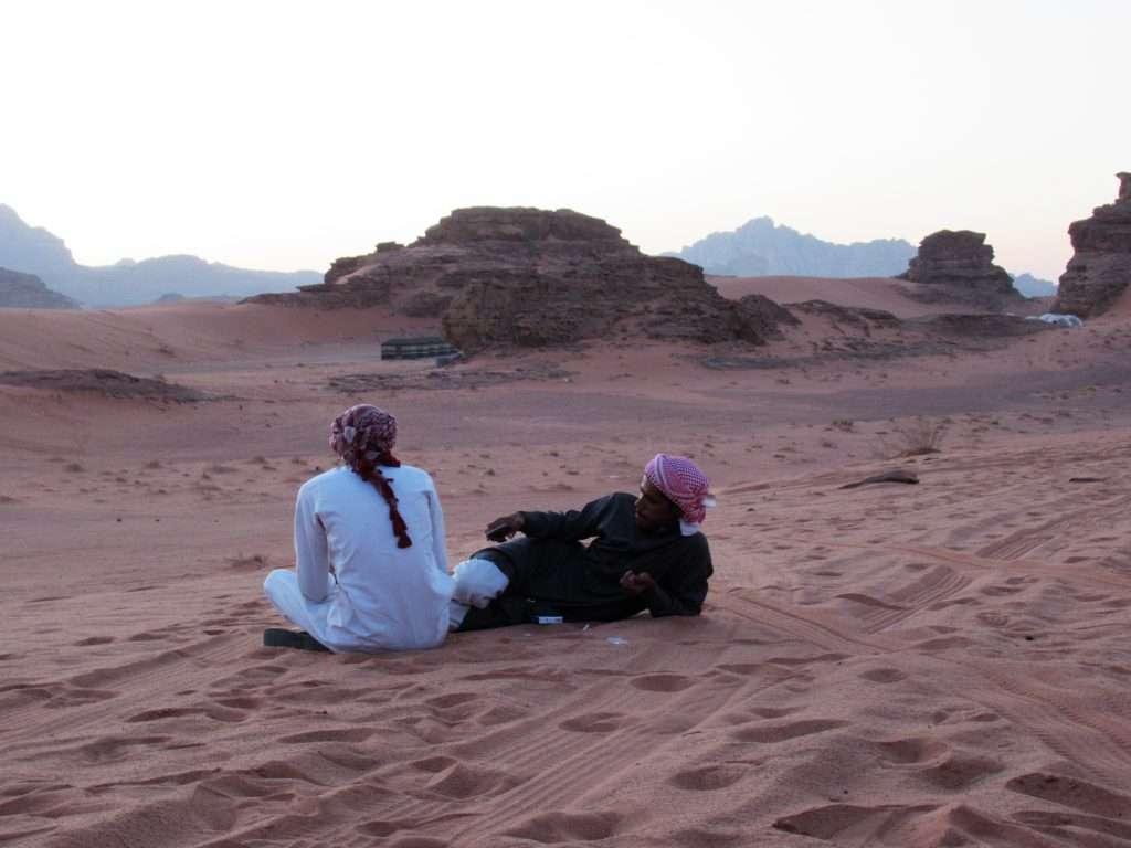 Beduinos en el desierto de Wadi Rum